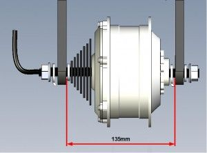 Entraxe roue ARRIERE : 135mm